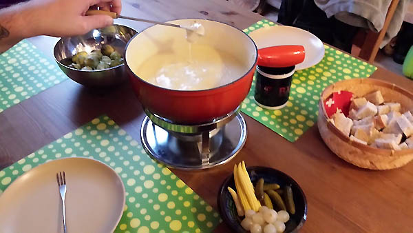 The Quintessential Guide to Traditional Swiss Fondue